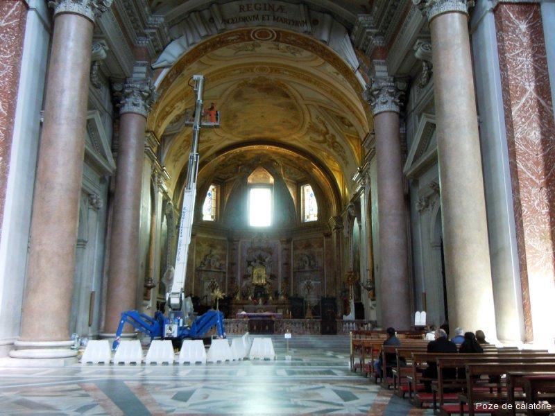 Santa maria degli angeli e dei martiri poze de calatorie for Perla arredamenti santa maria degli angeli